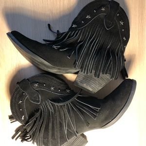 Very Volatile Los Angeles Cow Girl Booties Size 9